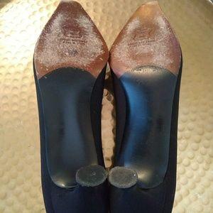 Stuart Weitzman Shoes - Stuart Weitzman pumps 9.5 AA